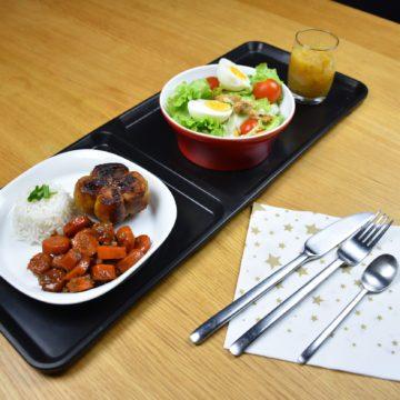 Plateau repas avec menu